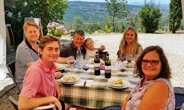 Family wineries in Tuscany can also mean excellent home cooking