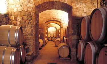 Lornano Winery in Tuscany Cellars