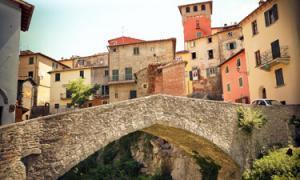 The medieval bridge at Loro Ciuffenna